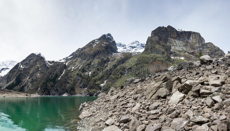 Lac Le Lauvitel mountain photo stock