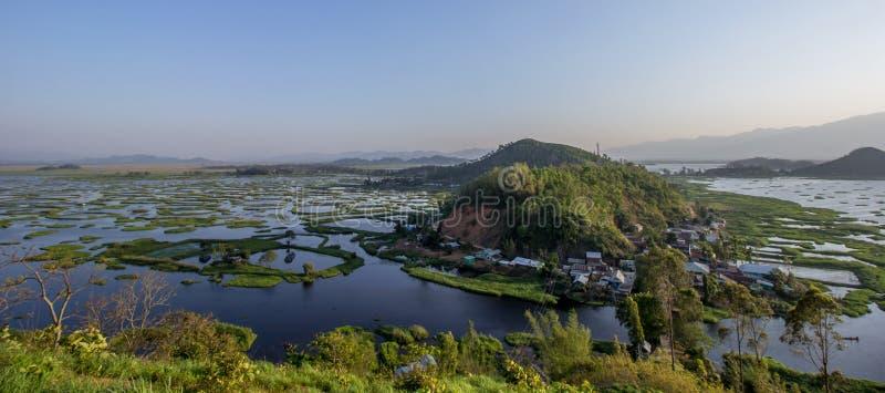 Lac Loktak, Manipur, lac d'eau douce du ` s de l'Asie le plus grand, Inde photos stock
