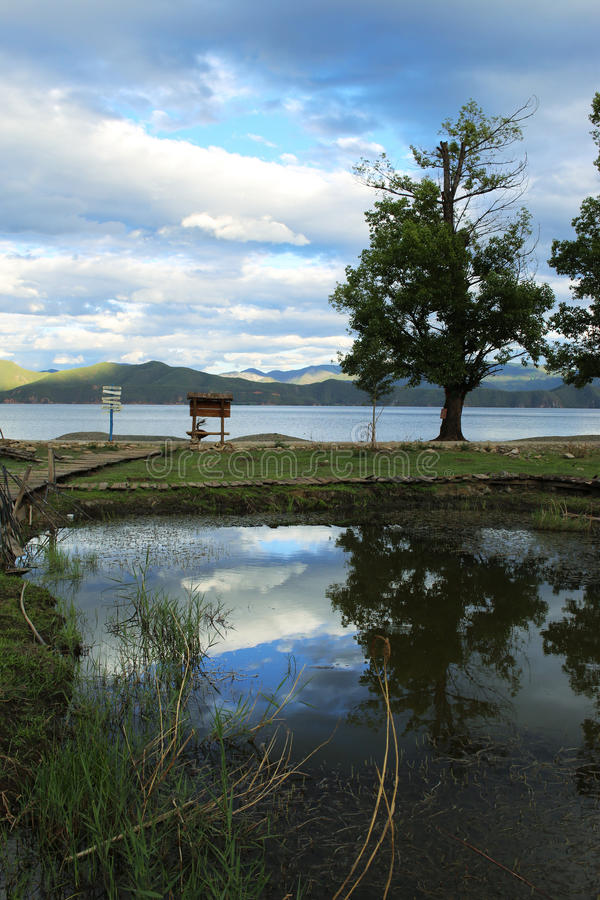Lac Lugu dans Yunnan Chine photo stock