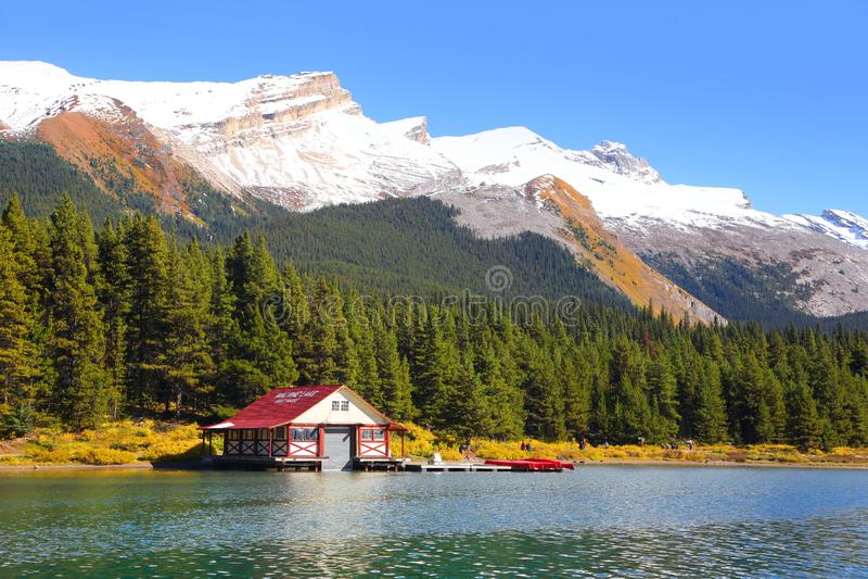 Lac Maligne en Jasper National Park images stock