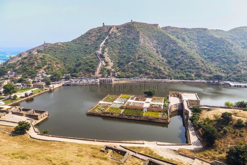 Lac Maota et jardins d'Amber Fort à Jaipur, Ràjasthàn photo libre de droits