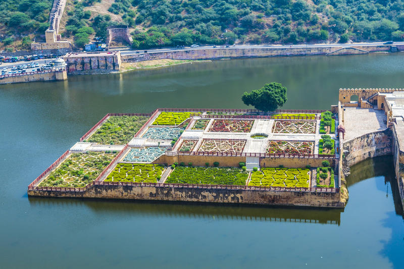 Lac Maota et jardins d'Amber Fort à Jaipur, Ràjasthàn photos stock
