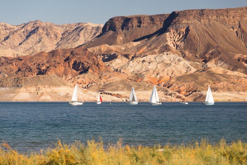 Lac Mead Recreation Area Boaters Sail wind de tour de voiliers image stock