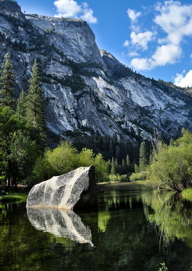 Lac mirror de Yosemité image libre de droits