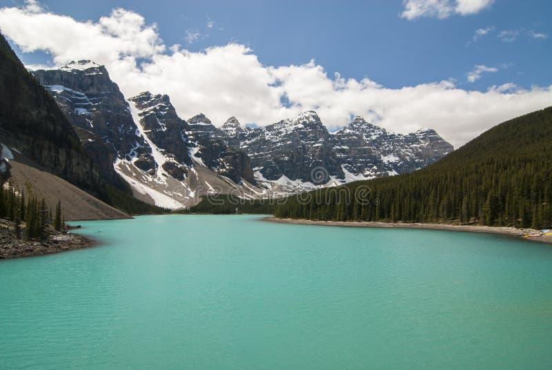 Lac moraine en stationnement national de Banff, Canada photographie stock libre de droits