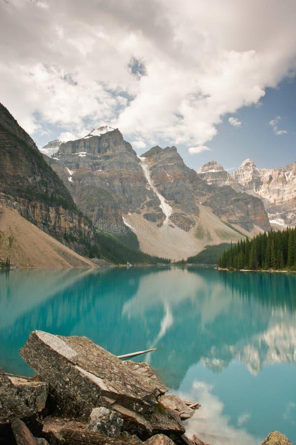 Lac moraine, stationnement national de Banff, Canada photographie stock