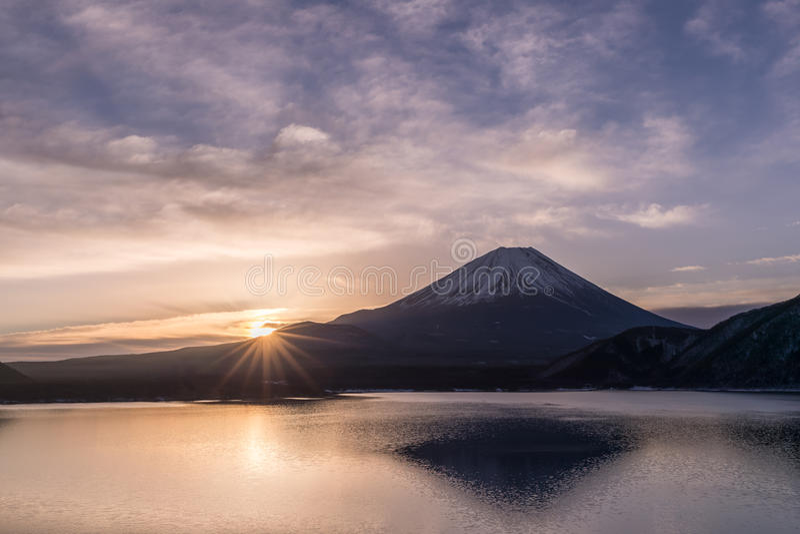 Lac Motosu et mont Fuji photographie stock libre de droits