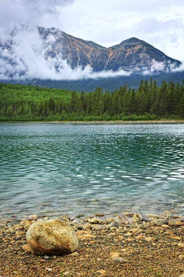 Lac mountain en stationnement national de jaspe image libre de droits
