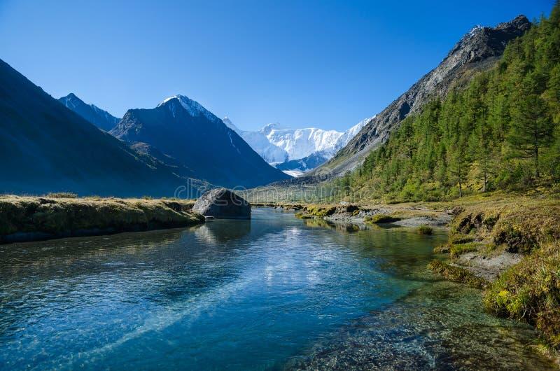 Lac mountain, Russie, République d'Altai photo libre de droits