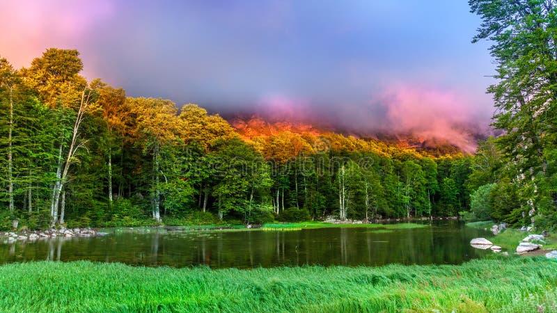 Lac Moutsalia images libres de droits