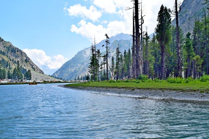 Lac naturel de mahodand photographie stock
