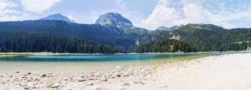 Lac noir sur la montagne de Durmitor dans Monténégro photos libres de droits