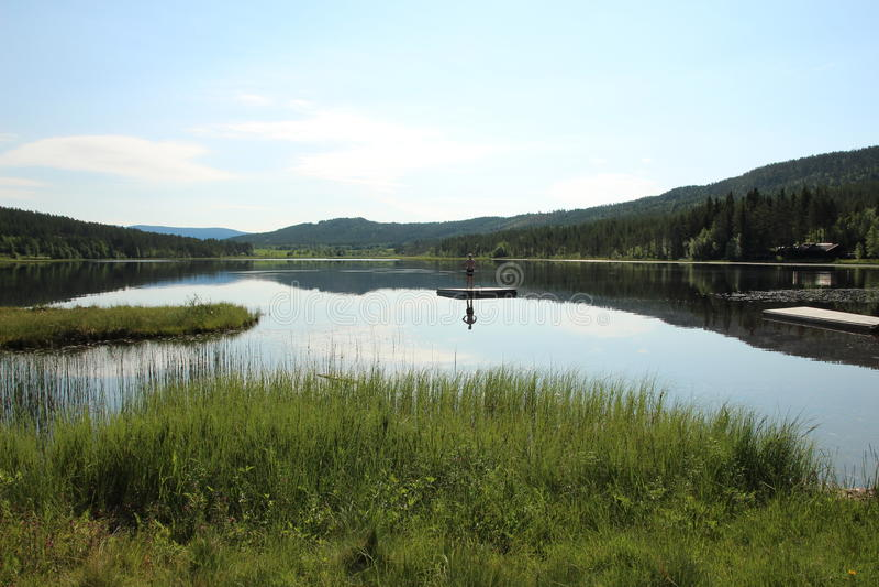 Lac norvégien Kjemsjøen photos stock