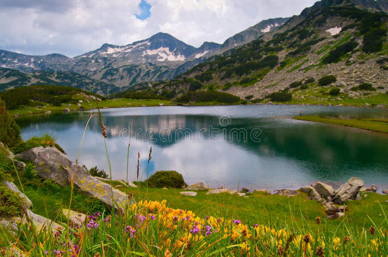 Lac paisible mountain images stock