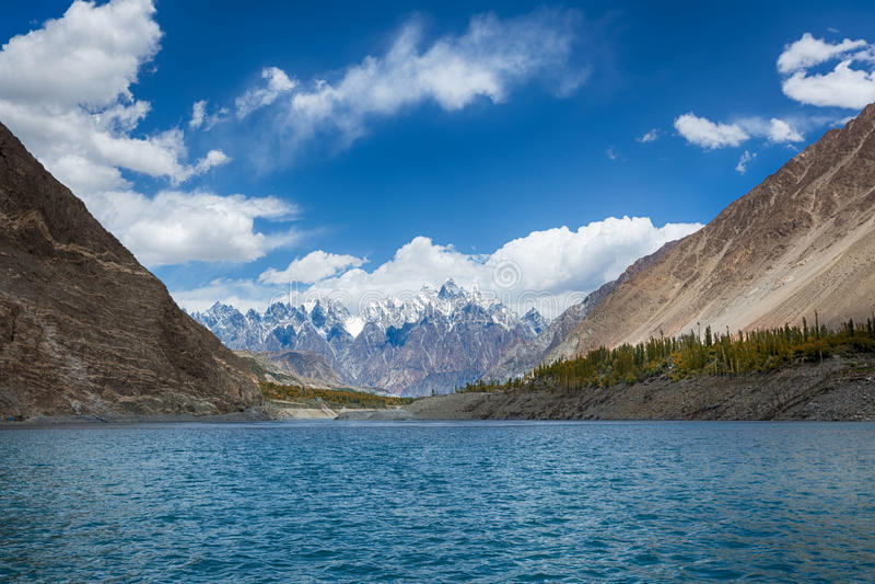 Lac Pakistan Attabad photographie stock