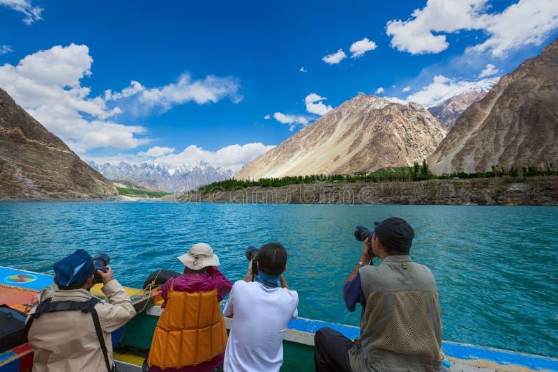 Lac Pakistan d'attabad de voyage de photographe photo libre de droits
