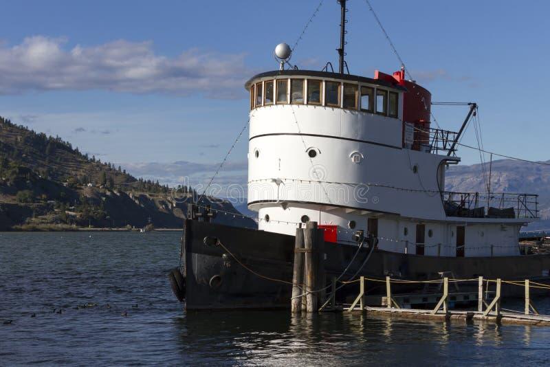 Download Lac Penticton Okanagan De Remorqueur Image stock - Image du héritage, people: 87706337