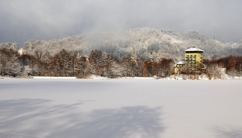 Lac Pocuvadlo en hiver photographie stock