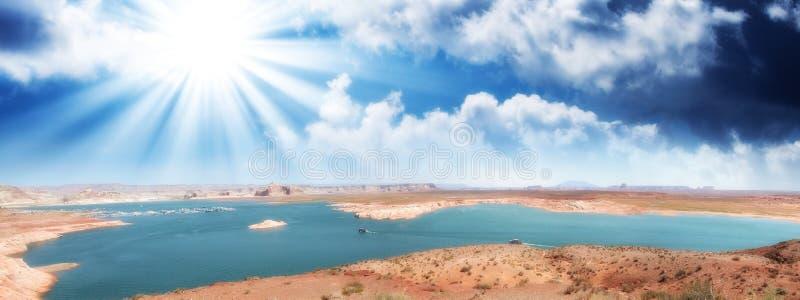 Lac Powell et Glen Canyon en Arizona, Etats-Unis Vue panoramique à s photographie stock libre de droits