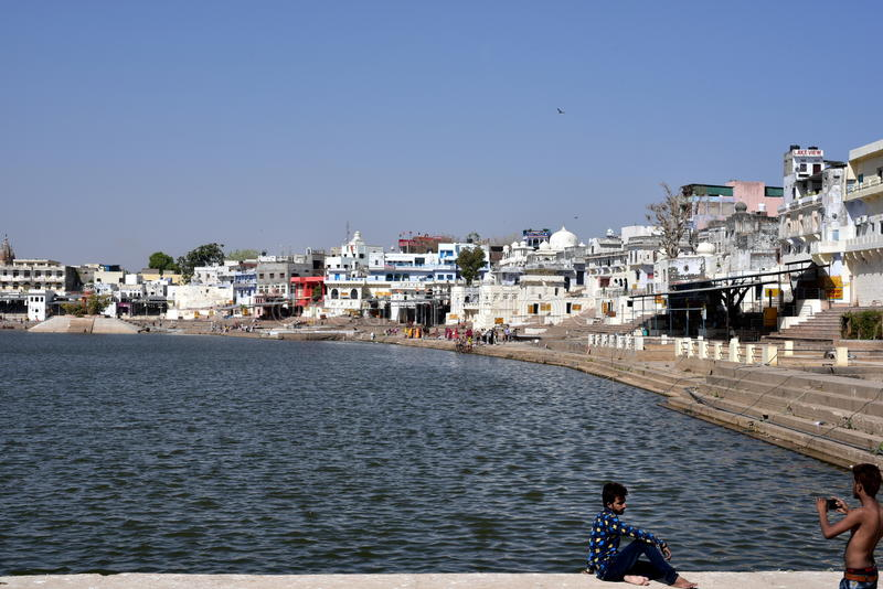 Lac Pushkar ou Pushkar Sarovar chez Pushkar - le Ràjasthàn - Inde photo stock
