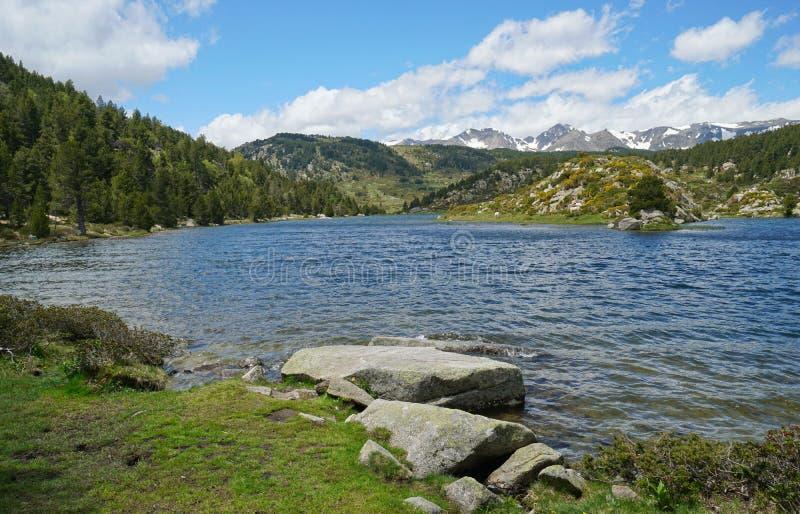 Lac Pyrénées Orientales de montagne de la France photographie stock libre de droits