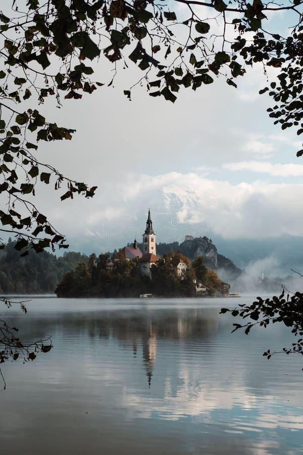Lac saigné le matin photographie stock