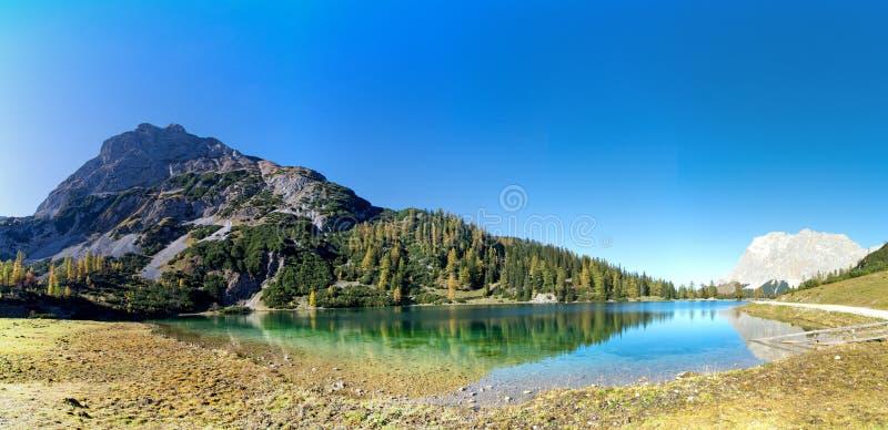 Lac Seebensee près d'Ehrwald, le Tirol, Autriche image libre de droits