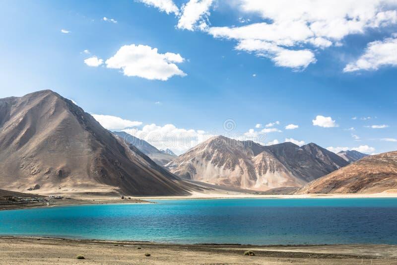 Lac stunning Pangong dans Ladakh photographie stock