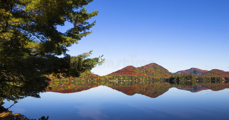 Lac-Superieur, Mont-tremblant, Квебек, Канада стоковые фото