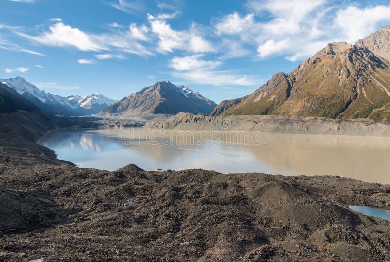 Lac Tasman avec le glacier de Tasman dans le cuisinier National Park, Nouvelle-Zélande de bâti photos stock