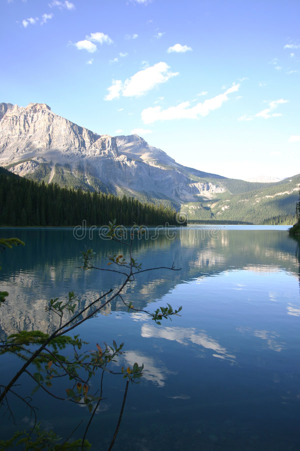 Lac tranquille mountain photos libres de droits