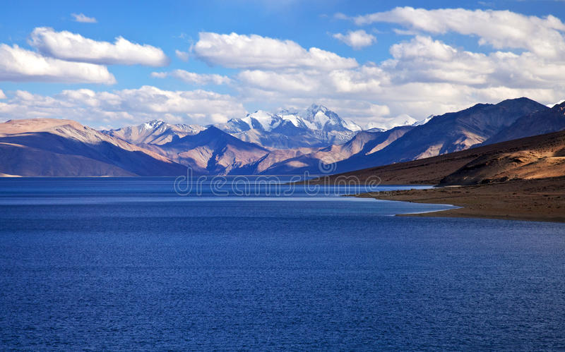 Lac tso Moriri dans Ladakh, Inde images libres de droits