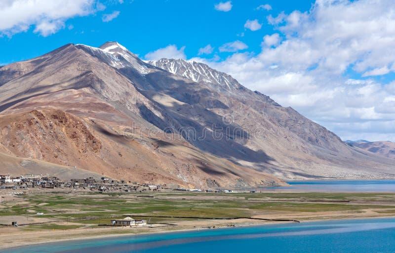 Lac tso Moriri dans Ladakh, Jammu-et-Cachemire, Inde photo stock