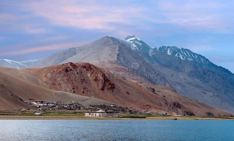 Lac tso Moriri dans Ladakh, Jammu-et-Cachemire, Inde du nord image libre de droits