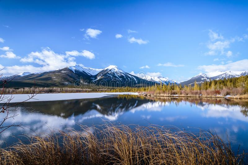 Lac vermillon au parc national de Banff, Alberta, Canada photos libres de droits