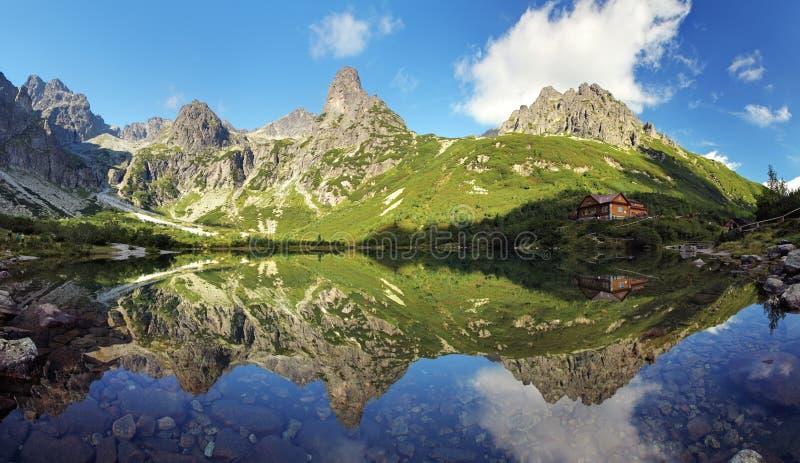 Lac vert en montagne de Tatra, Slovaquie photo libre de droits