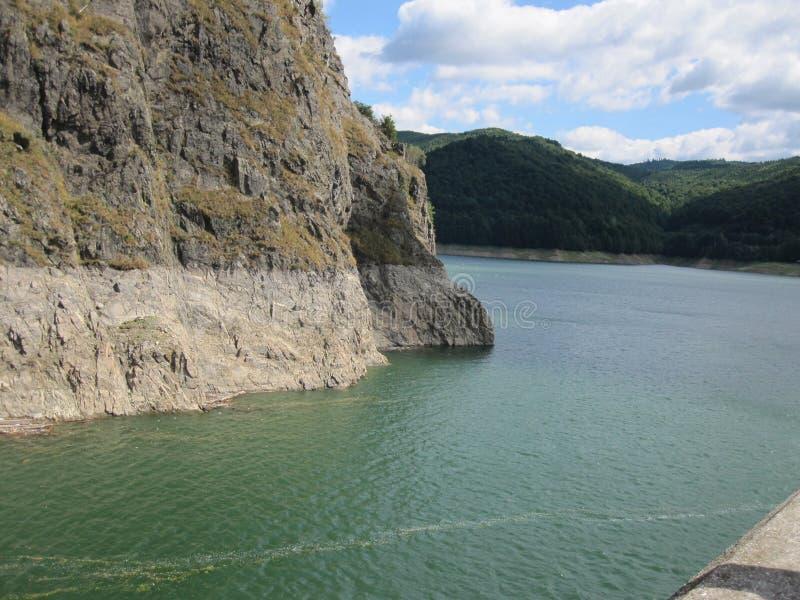 Lac Vidraru, Roumanie images libres de droits