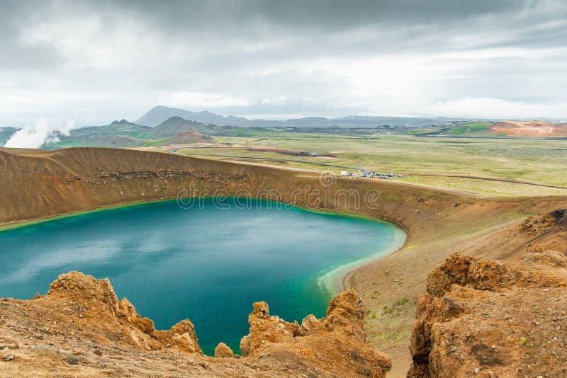 Lac Viti dans le secteur de volcan de Krafla en Islande photographie stock