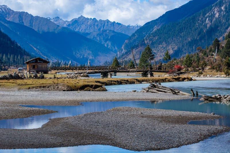 Lac Xincuo du Thibet photo stock