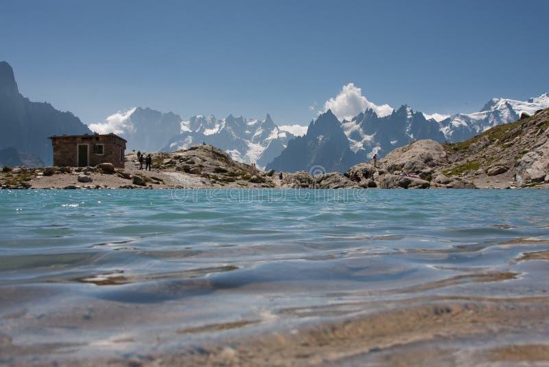Download Laca Blanc imagem de stock. Imagem de azul, picos, água - 12313079