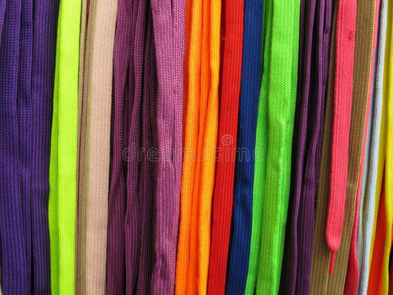 Lacets toutes les couleurs images stock