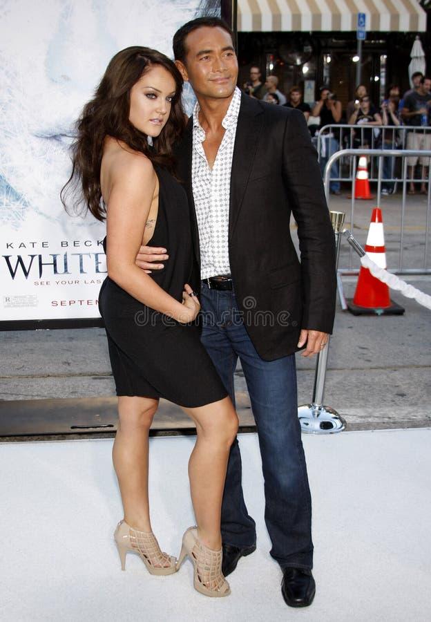Lacey Schwimmer och Mark Dacascos royaltyfri foto
