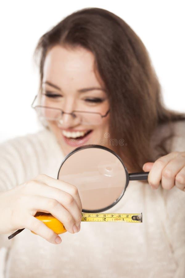 Lachen über die Größe stockfoto