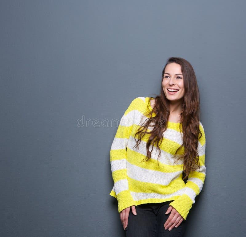 Lachen der jungen Frau lizenzfreies stockbild