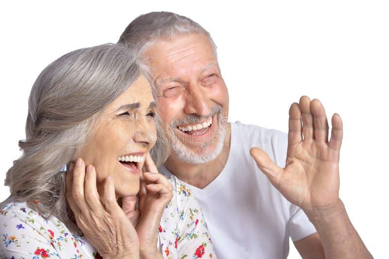 Lachende ältere Paare stockfotografie