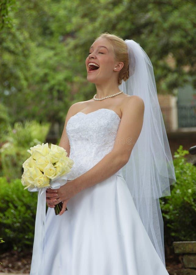 Lachende Braut! stockfoto