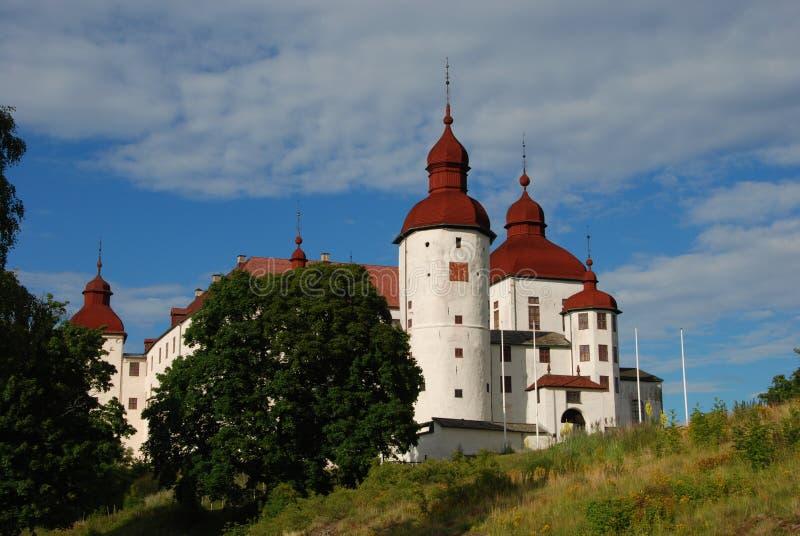 Lacko slott i den Sverige sikten från land fotografering för bildbyråer
