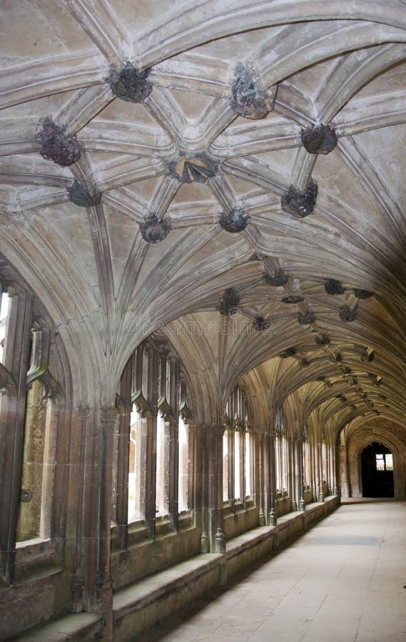 Lacock AbbeyCloister royaltyfria foton