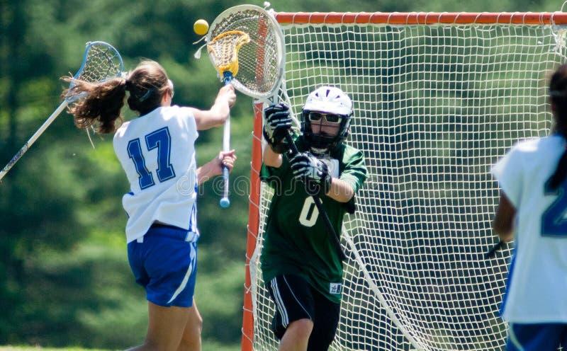 Lacrosse de las muchachas de la High School secundaria imágenes de archivo libres de regalías
