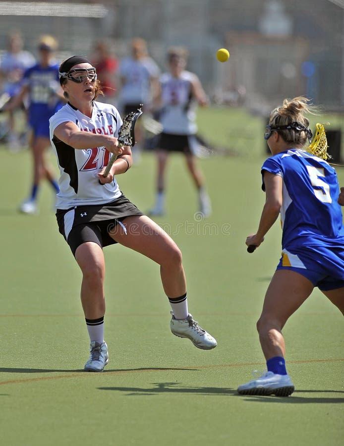 Lacrosse der NCAA-Frauen (LOCKER) stockfotografie
